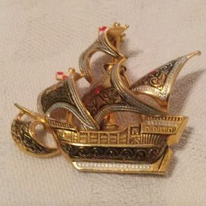 ⛵️Too Unique Estate Brooch Must Have ⛵️